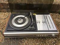 Turntable and speakers sold as seen