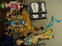 Cleo's vanity and Cleo and Deuce Monster High