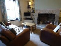 DOUBLE ROOM IN GLOSSOP PROFESSIONAL HOUSE SHARE £350 PM INC ALL BILLS