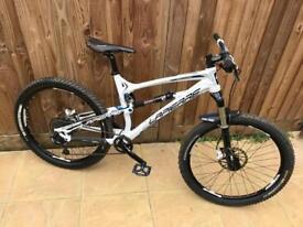 Lapirre zesty downhill bike