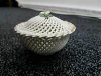 VINTAGE LA HUERTA delicately woven ceramic basket dish with gold guilt