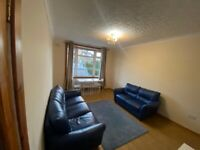 Recently refurbished, 2 double bedrooms, ground floor flat in Carrick Knowe EH12
