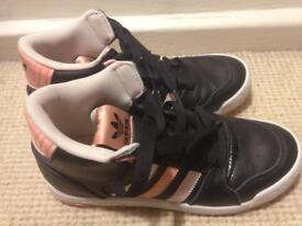 Adidas trainer 4,5 warn once