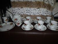 Chodziez China Tea Set - £40