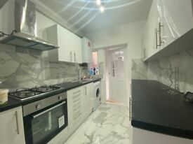 stunning 4 bedroom house to rent in manor park for £1750 PCM