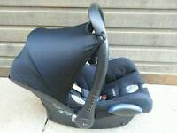 Maxi cosi cabriofix car seat in very good condition! Smoke free home! Can deliver!