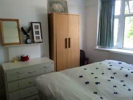***Fabulous spacious double Room-Full Furnished-All Bills Inc-Wifi-Garden**