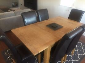 Oak Veneer Dining Table & 6 Chairs - £300!