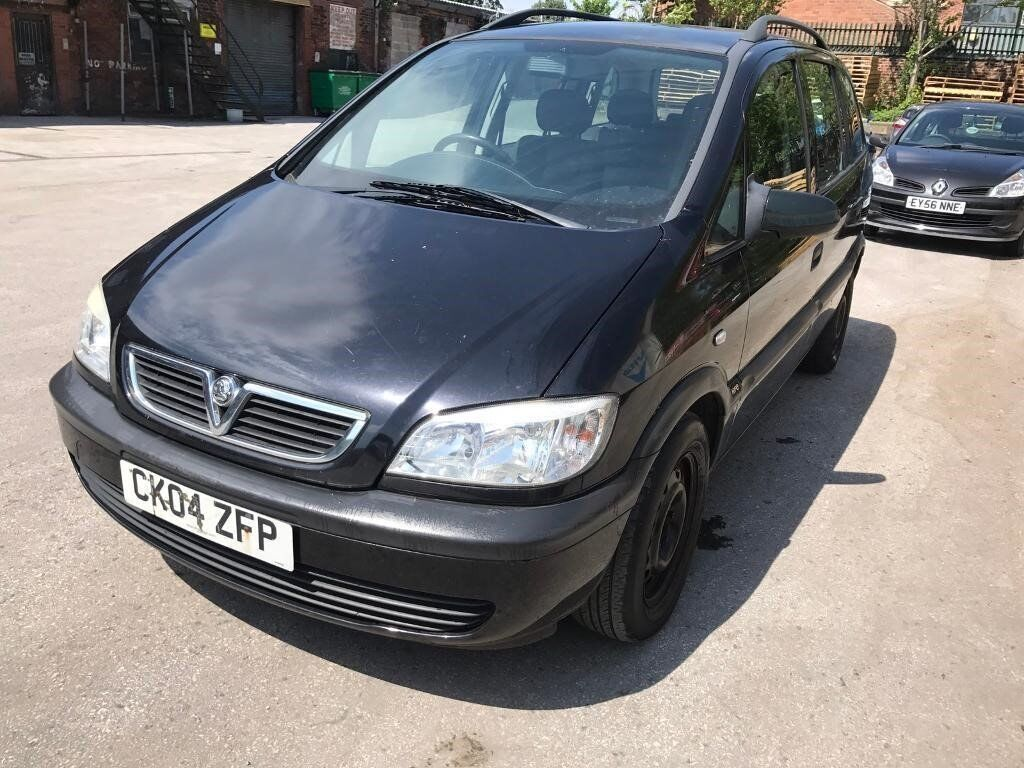 scrapping scrapping - 04 plate - Vauxhall Zafira 1 6 petrol - 7 seater - 7  months mot   in Ashton-under-Lyne, Manchester   Gumtree