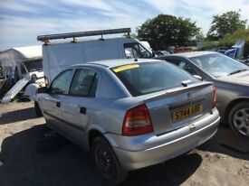 Vauxhall Astra petrol car parts available bumper bonnet lights radiatordoors engine gearbox