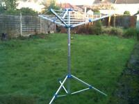 Folding washing line for camping