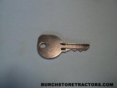 New Farmall Key 140 100 Cub 154 184 185 340 444 656 404 574 666 1066 382458r1