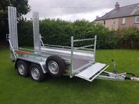 New car trailer twin axle with brakes and loading ramps 10 x 5 2700 kg