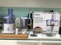 Food Processor with multiple attachments in near new condition