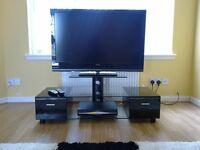 GLASS/GLOSS BLACK TV/DVD STAND