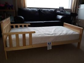 Toddler Bed with matress excellent condition