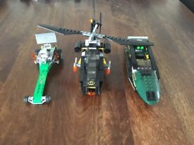 Lego DC superhero's sets batman 76011 with added car and boat