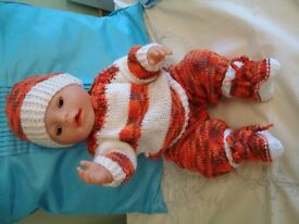 """NEW HAND KNITTED OUTFIT TO FIT BABY BORN GIRL OR BOY OR ANY16/17"""" DOLL"""
