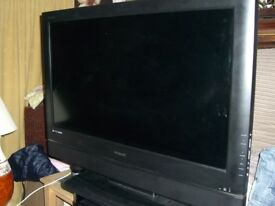 POLAROID DEFINIA 40 inch; LCD TV spares or repair only - CLACTON ON SEA - CO15