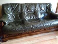 3 2 1 Suite of furniture