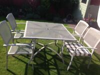 Patio table and chairs nice condition