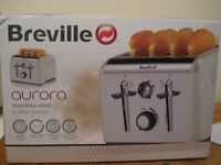 NEW AND BOXED - BREVILLE 4-SLICE TOASTER IN CREAM - (Kirkby in Ashfield)