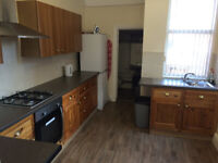 All Bills Inc. Share House near Kirstall Road & Bramley Town centre with easy access to Leeds