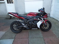 2005 Yamaha R1 Lava Red (Kenny Roberts decals)
