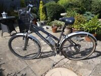 Ladies Lightweight Ridgeback bike with Stand. £140