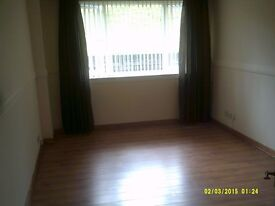 EXCELLENT MODERN 2 BEDROOM FLAT - WITH THE BENEFIT OF ITS OWN MAIN DOOR ENTRY