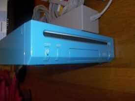Wii Console blue Sonic limited edition with games.