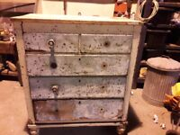 Vintage chest of drawers project