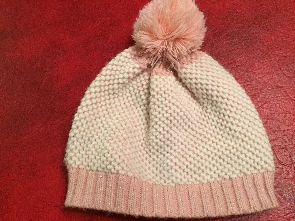 Girl's Winter Hat, Age 8-12 years, Colour Pink & White NEW