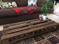 Shabby chic reclaimed pallet coffee table