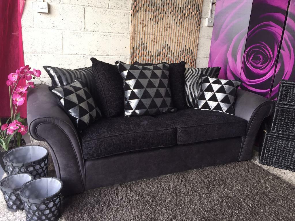 New 3 Seater Chenille Fabric And Faux Leather Sofa In Slate Grey Black