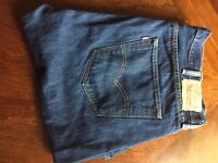 Genuine Levi 501 Regular Straight Fit Jeans - W40 x L32 - Never Worn, Excellent Condition.
