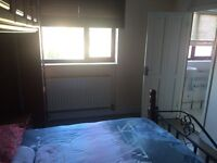 "Zone 3""Canning Town"" Huge Double with En-Suit"