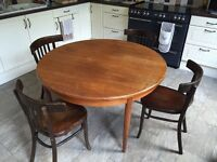 Solid wood extending dining table Seats 4 - 6