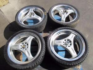 Mags Rays Volk Racing 17x7 +49 offset avec pneus Fereal Super Street