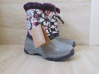 *LOVELY HI-TEC WINTER/SNOW BOOTS.JNR SIZE 4 (37)BRAND NEW*