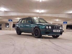 SOLD <<< E30 WITH LSD!! 1993 BMW 3 series 318i Touring E30 Manual Luguna Green LSD!!