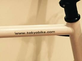 Selling this incredibly resistant stunning Tokyobike