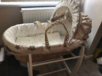 Mamas & Papas Moses basket and rocking stand
