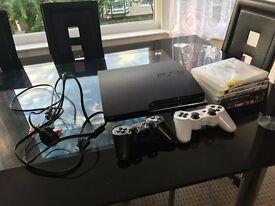 Playstation 3 Slim 320GB + 2 Controllers + 6 games