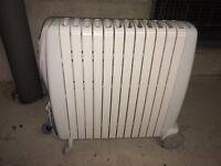 De'Longhi Rapido G011230RTW Oil Filled Radiator, 3 Kilowatt - Good Condition