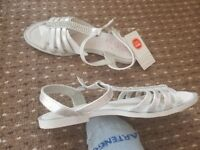 girl shoes size 2 and 3