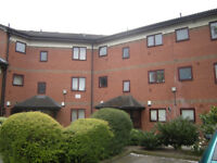 2 Bedroom Flat In Salford