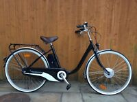 Momentum Model T Electric Bike. A quality bike with with all you need to get out on the road.