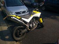 Supermoto Yamaha XT660X Motorbike