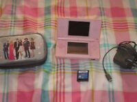 DS LITE CONSOLE IN PINK BUNDLE,1 GAME,CHARGER